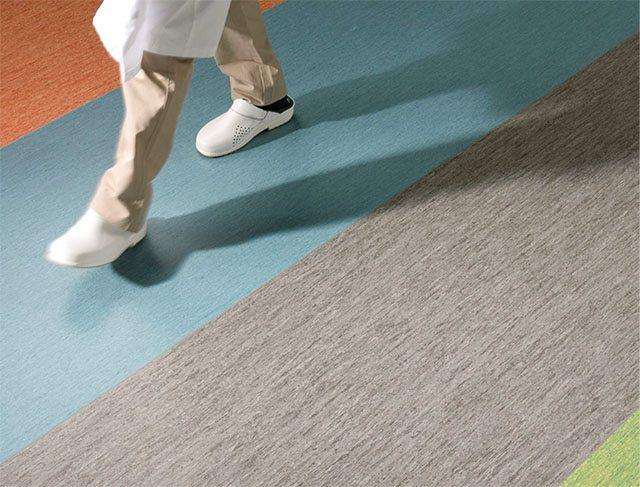 Pavimenti in PVC antiscivolo antisdrucciolo R9 10 11